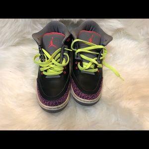 5ac395f22ccc52 Jordan Shoes - Air Jordan 3 Retro GS size 7Y